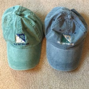 Accessories - Pair of Isle of Palm hats caps